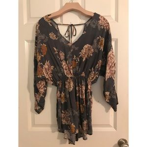 Floral Romper with Scrunched 3/4 Sleeves